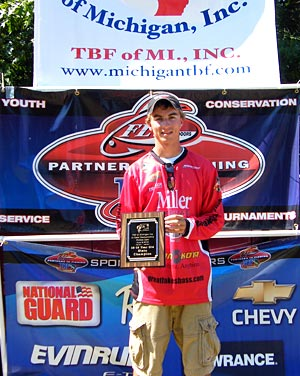 2012 TBF of Michigan 15 to 18 years old division Jr state champion Danny Sprague caught 5-bass limit from Pontiac Lake weighing 10.35 pounds
